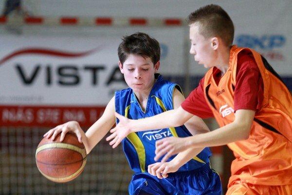 Obhajcom trofeje z minulého roku je Gymnázium Pezinok.