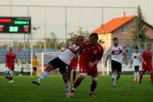 Naposledy Senčania vyhrali doma nad juniormi Trnavy (na snímke), teraz vyhrali v Dubnici 2:1.