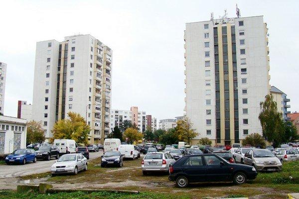 Bytovky na Kollárovej majú farebne ladiť.
