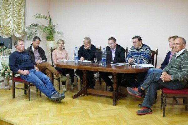 Komisia športu zorganizovala stretnutie seneckých športovcov.