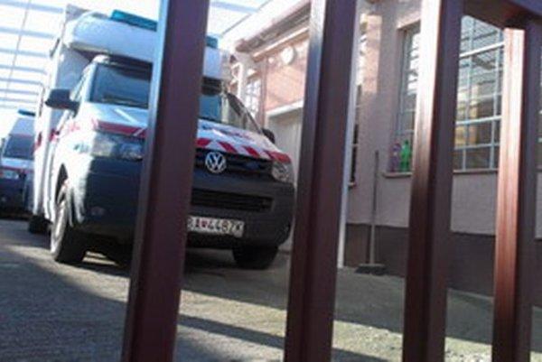 Záchranná zdravotná služba Bratislava, ktorá nahradila Záchrannú službu Fakultnej nemocnice Trnava, sa prednedávnom presťahovala práve z trnavskej nemocnice do rodinného domu v Zavare.