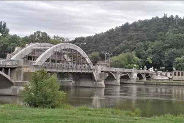 Krajinský most bude uzavretý až do konca augusta.