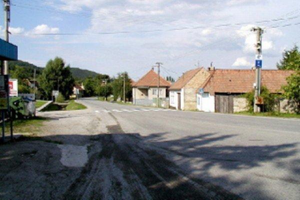 Obec Smolenice.