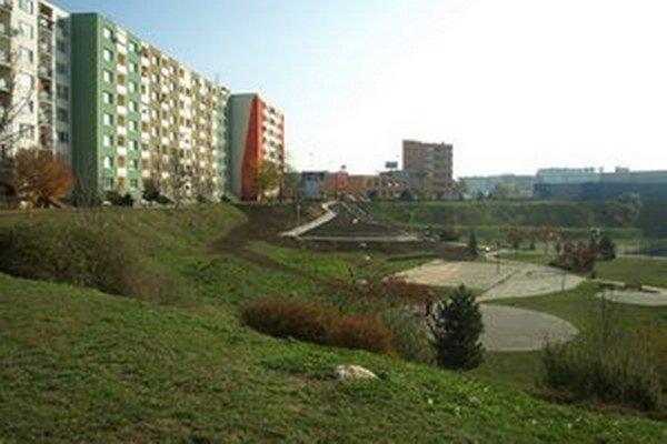 Parkovací dom majú osadiť do svahu pod Saleziánskou ulicou.