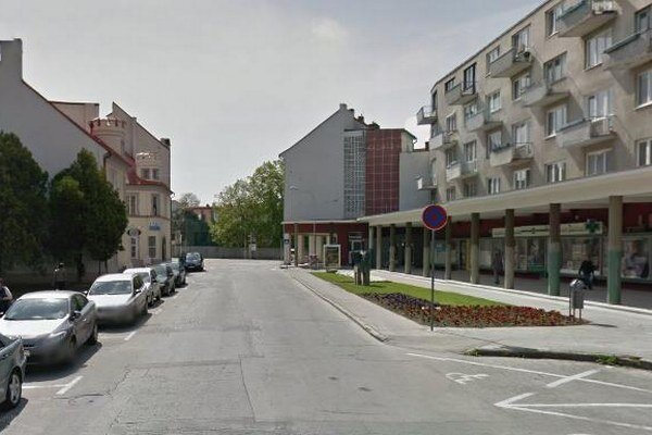 Parkovacie miesta pred Kolonádou.