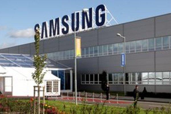 Závod Samsung vo Voderadoch už štyri pondelky nevyrába.