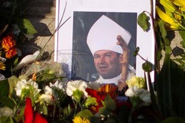 V Trnavskej arcidiecéze nastala po dovolaní arcibiskupa Bezáka 'normalizácia'.