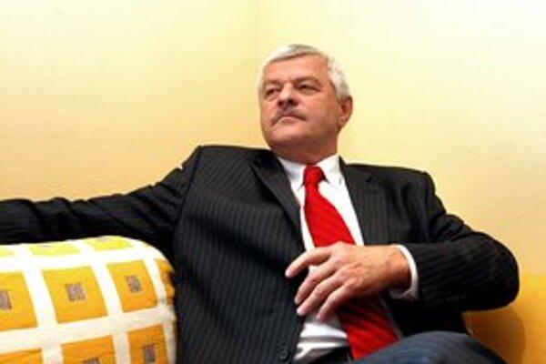 Ani Tibor Mikuš sa už nechce pozerať na vulgárnosť v televízii.