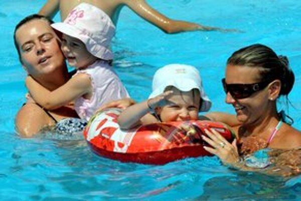 Trnavské kúpaliská privítali návštevníkov až v polovici júna.