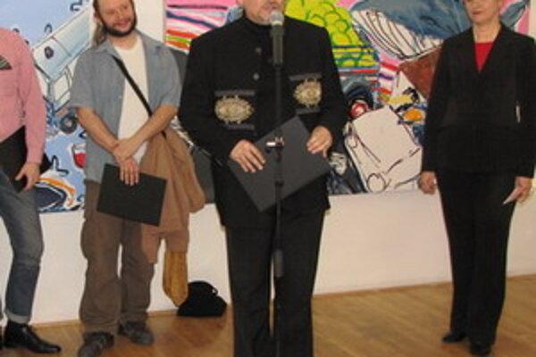 Bývalý riaditeľ galérie Vladimír Beskid (v strede).