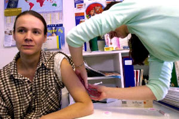 Najvhodnejším časom na očkovanie sú mesiace október a november.