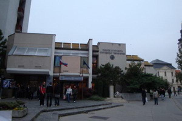 Voľba rektora Trnavskej univerzity je možno neprávoplatná.