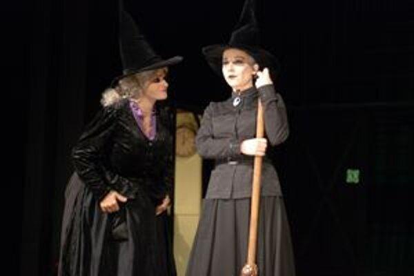 Nočnú prehliadku divadelného zákulisia budú prerušovať postavy v kostýmoch. Ktoré to budú?
