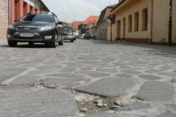 Ulica bude v čase opravy uzatvorená.