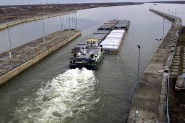 Prevádzka v Gabčíkove funguje aj pri vysokej vode zatiaľ bez problémov