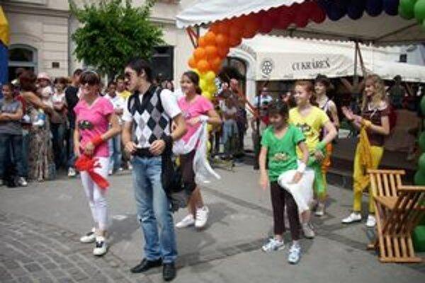 V rámci Dní zdravia 2009 predviedli svoj program aj deti zo špeciálnych škôl.