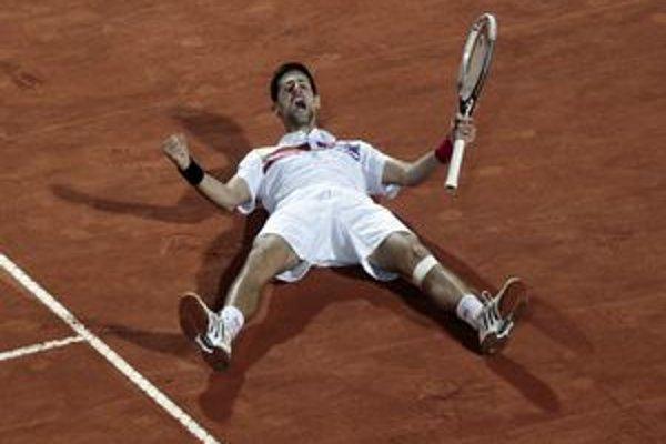 Radosť Novaka Djokoviča po výhre na turnaji v Ríme.