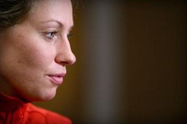 Zuzana Žirková trikrát vyhrala Európsku ligu - 1999, 2000 s Ružomberkom, 2006 s Brnom.          V reprezentácii debutovala na MS 1998, hrala na štyroch ME, raz bola na olympiáde (2000). Jednu sezónu pôsobila v WNBA (2003, Washington). Šesťkrát ju vyhl