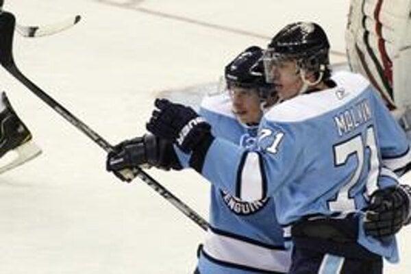 Sidney Crosby a Jevgenij Malkin.
