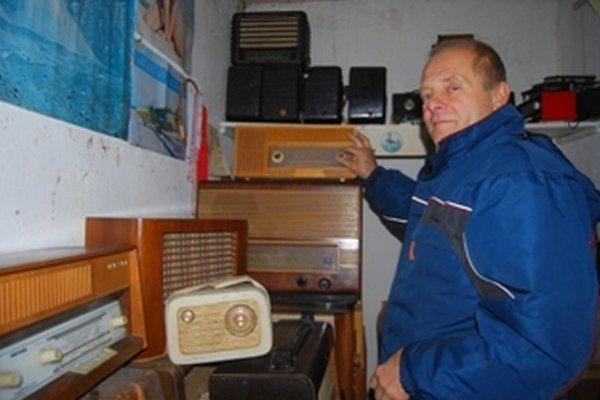 Miroslav Harmady predstavil svoju zbierku rádií na verejnosti