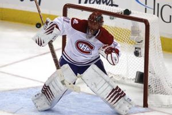 Jaroslav Halák sa po štyroch rokoch v Montreale sťahuje do St. Louis, s klubom Blues podpísal zmluvu až do roku 2014. Za tento čas zarobí 15 miliónov dolárov.