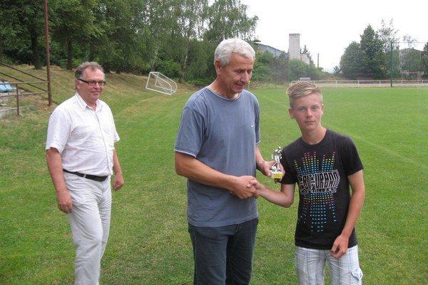 Najlepším strelcom turnaja bol Patrik Ďuriš z Trenčianskej Turnej.