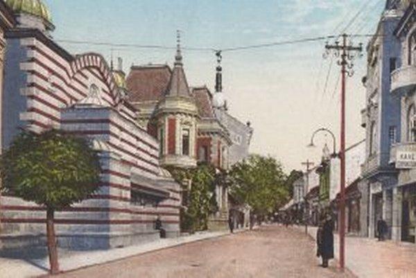 Parkova ulica na pohľadnici z roku 1911.