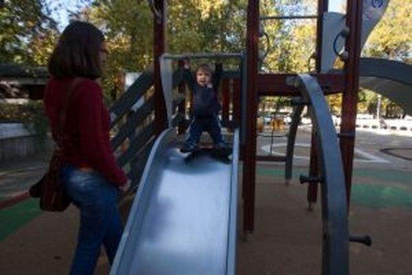 Do výstavby detských ihrísk sa môžu zapojiť aj rodičia.