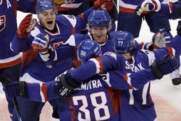 Slovenská radosť po Demitrovom víťaznom nájazde  v duel s Ruskom.