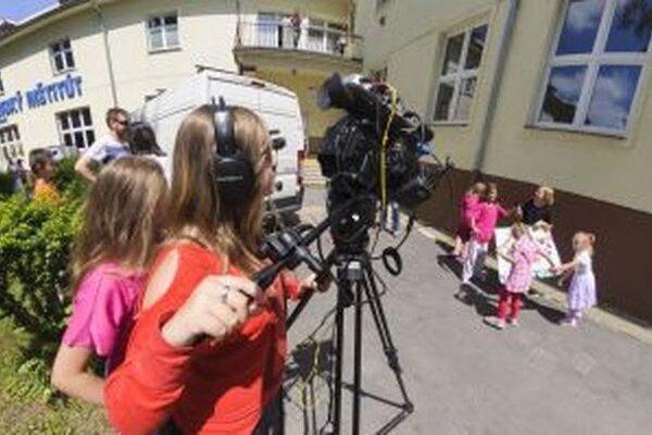 Študenti detskej univerzity si vyskúšali aj prácu kameramana