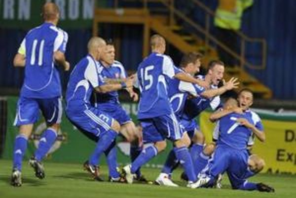 Slovenskí futbalisti si v príprave pred šampionátom zahrajú proti Chile.