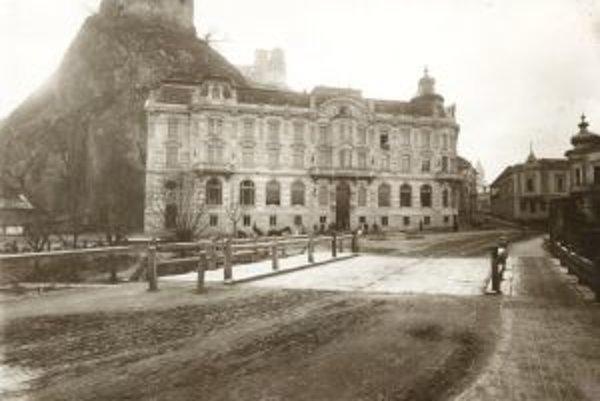 Hotel Alžbeta po výstavbe v roku 1901.
