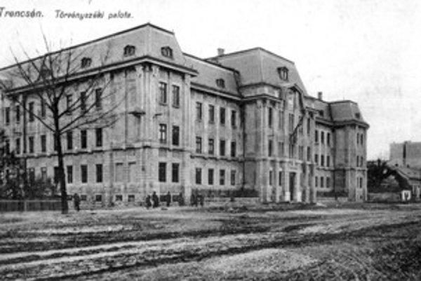 Monumentálnu stavbu súdneho paláca dokončili v roku 1913