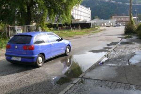 Kukučínova ulica je už dlhší čas v dezolátnom stave.