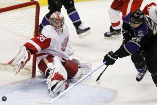 Michal Handzuš sa v zápase s Detroitom presadil hneď dvakrát. Pri víťazstve Kings 4:3 pridal aj jednu asistenciu.