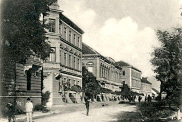 Palackého ulica v roku 1900.