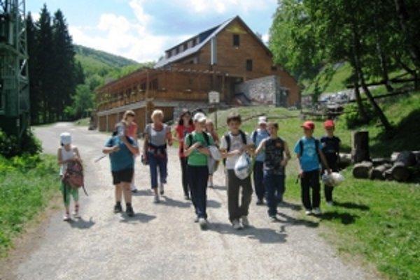 Štvrtáci sa vybrali na výlet na Inovec
