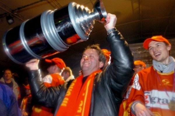 Dukla Trenčín pod vedením Gregora získala doposiaľ jediny titul majstra Slovenska v ročníku 2003/2004.
