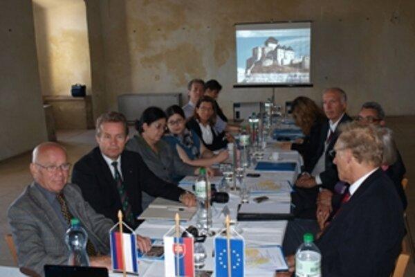 V Trenčíne na hrade sa konalo piate stretnutie Európskej siete miest mieru.