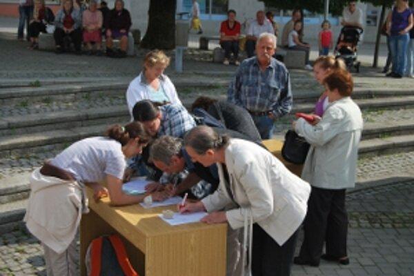 Petíciu za zachovanie detského domova podpísalo už štyritisíc Novomešťanov.