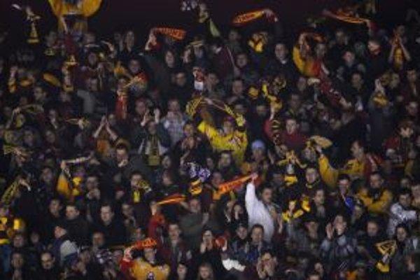 Fanúšikovia Dukly dúfajú, že ich miláčikovia zopakujú senzačný obrat proti Martinu spred troch sezón.