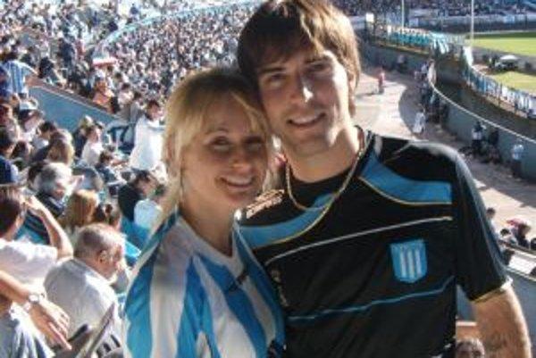 David Depetris s priateľkou Erikou na zápase Racingu Buenos Aires