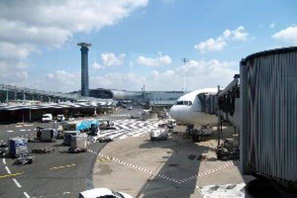 Z letiska v Havane sa mladým Bánovčankám odletieť podarilo. Vo Francúzsku však zostali uväznené.