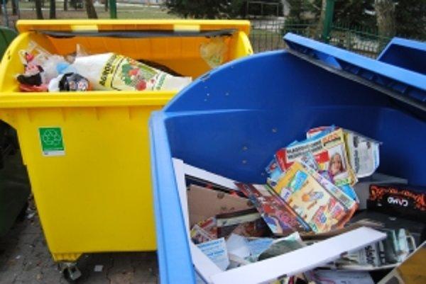 Kontajnery na separovaný odpad sa zapĺňajú veľmi rýchlo