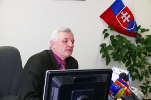 Ján Mičic, riaditeľ Úradu justičnej a kriminálnej polície v Trenčíne odmieta politizovanie kauzy pád stanu na Pohode a to, že vyšetrovateľ pripravuje obvinenie konkrétnych osôb.