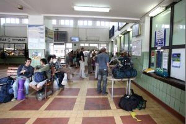 Železničná stanica v Trenčíne je medzi vybranými, ktoré majú opraviť rekonštruovať súkromní investori. Železnice im za to ponúkajú priestory.