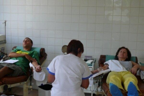 Na výzvu, aby pomohli doplniť zásoby krvi, zareagovali darcovia okamžite.