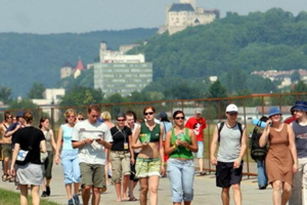 Na trenčianskom letisku sa dnes začína trinásty ročník multikultúrneho festivalu Bažant Pohoda.