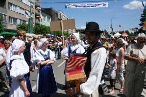 Myjavský folklórny festival má päťdesiatročnú tradíciu a vystúpi na ňom okolo 1700 účinkujúcich.