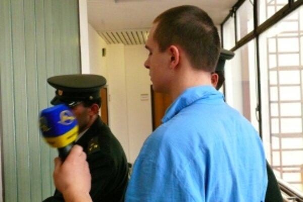 Peter S. je obvinený zo zvlášť závažného zločinu vraždy taxikárky.